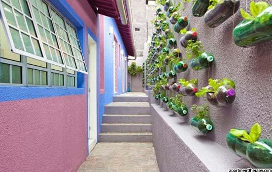 jardim vertical em muro:JARDIM VERTICAL DE GARRAFAS PET
